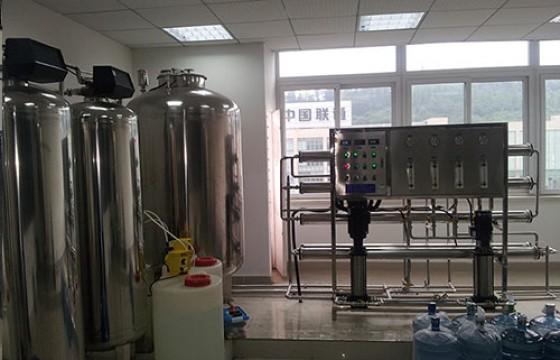 万博体育官网客户端质检中心产品检测用纯水系统